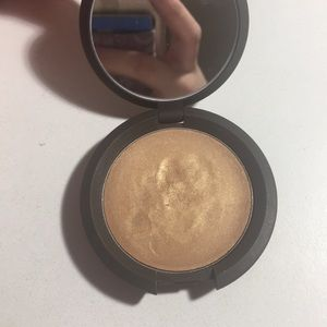 BECCA poured skin perfector